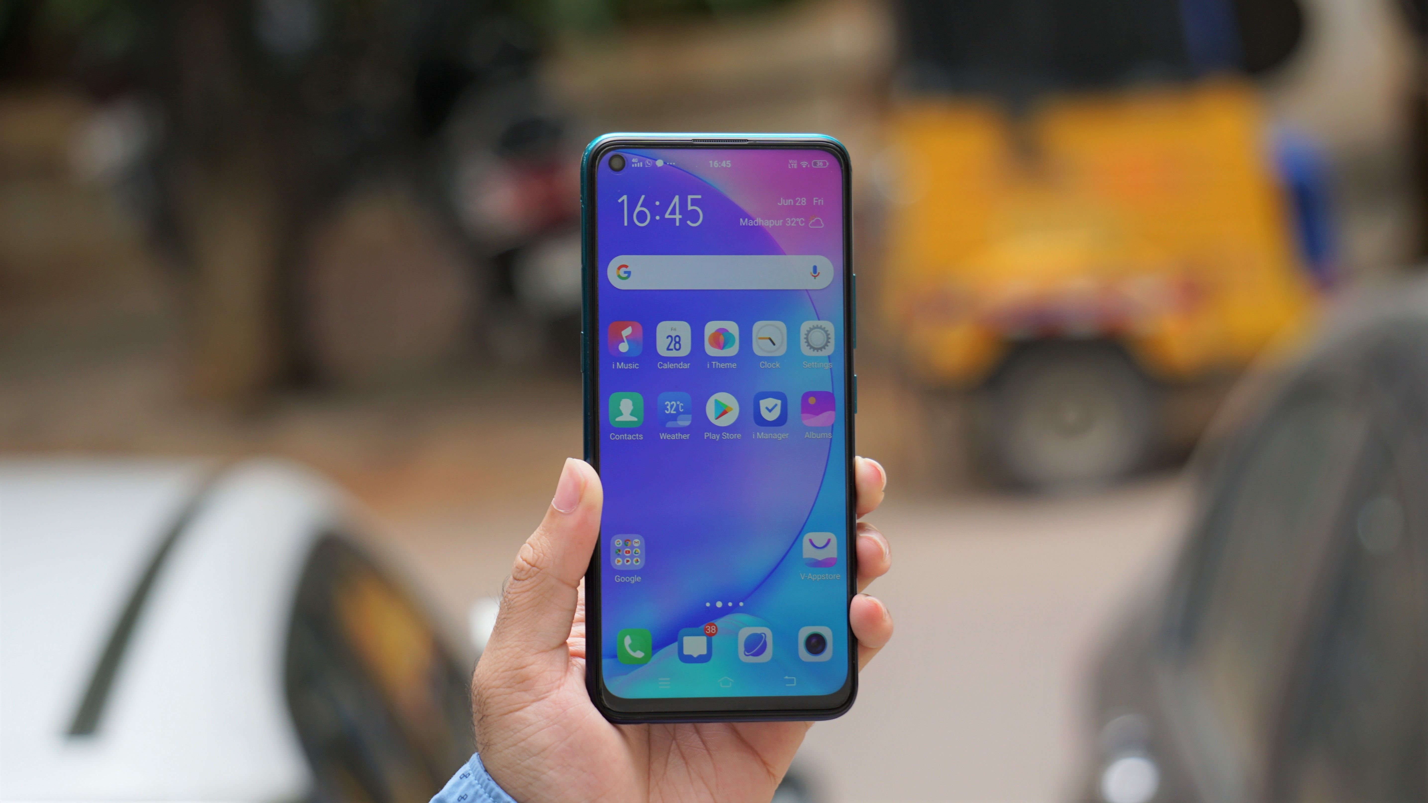 Vivo Z1 Pro Review: Budget Heavyweight That's Literally Too