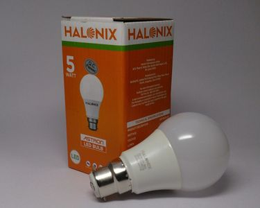 Halonix 5W LED Bulb (White) Price in India