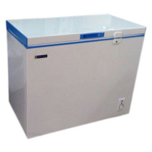 Blue Star CHFSD100D 102L Direct Cool Single Door Deep Freezer Price in India