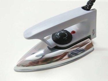 Kenstar GLAM PRO KNGLP10W1M 1000W Dry Iron Price in India