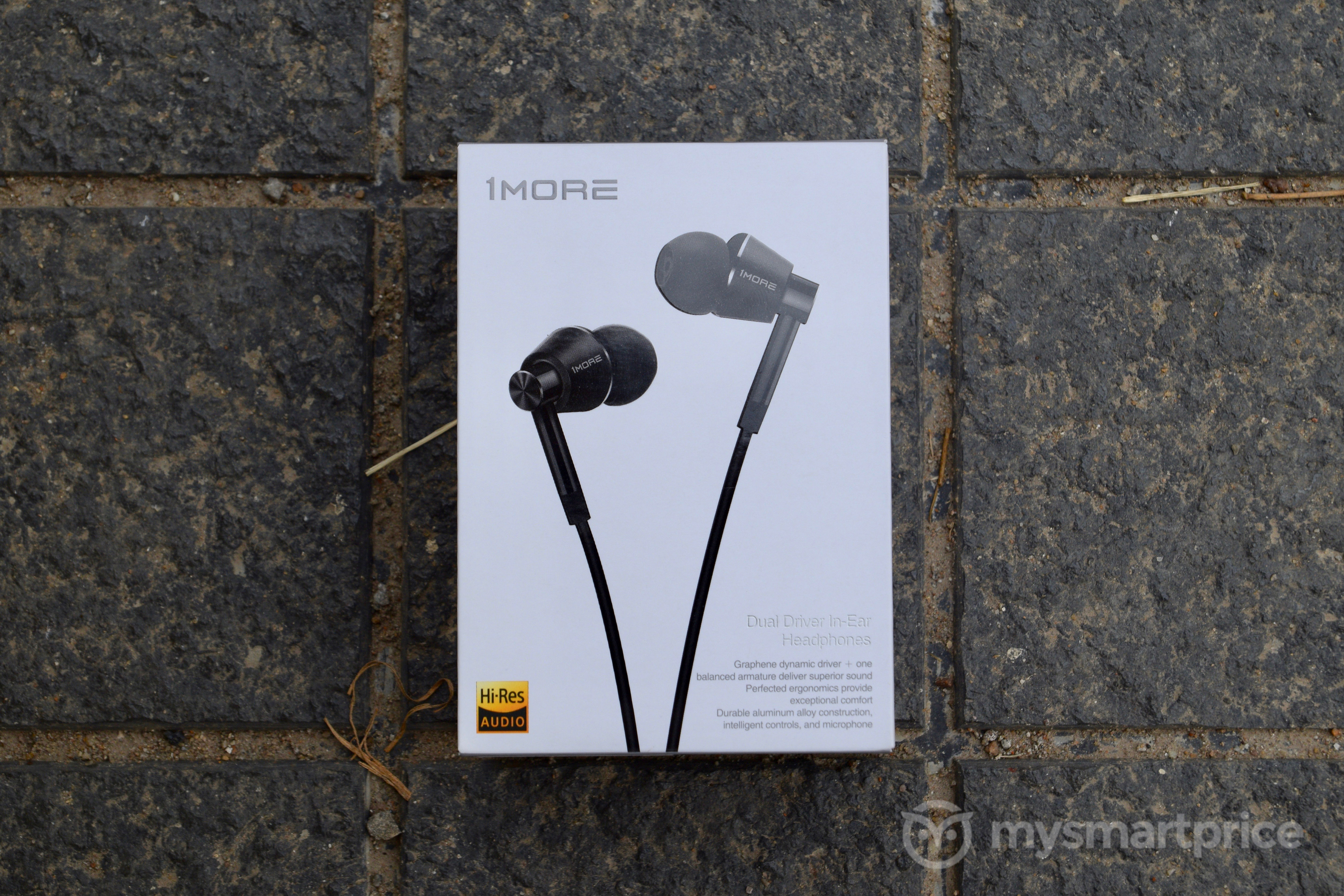 1More Dual Driver Headphones Review: Box