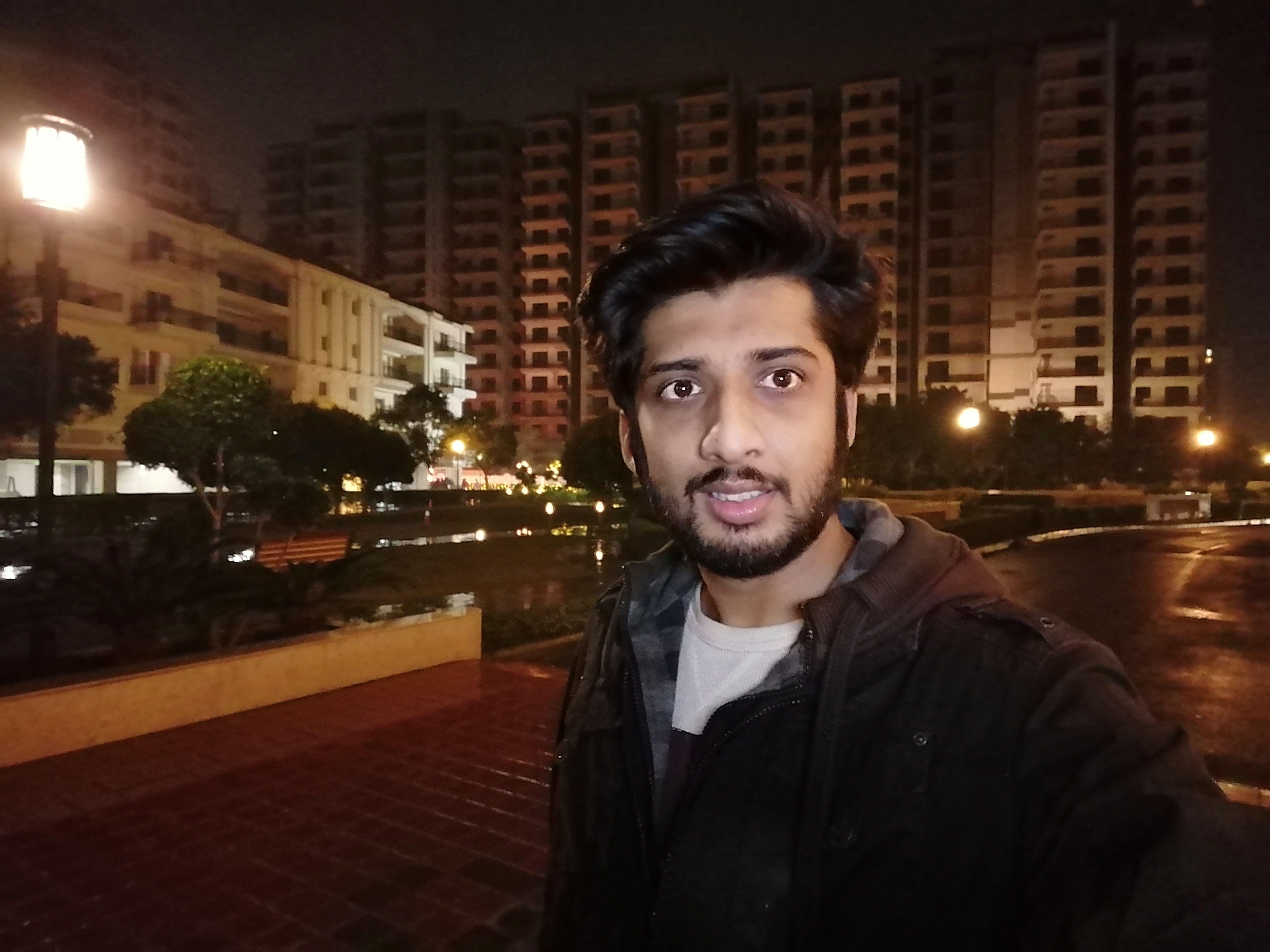 HONOR 9X - Camera Sample - Selfie Night