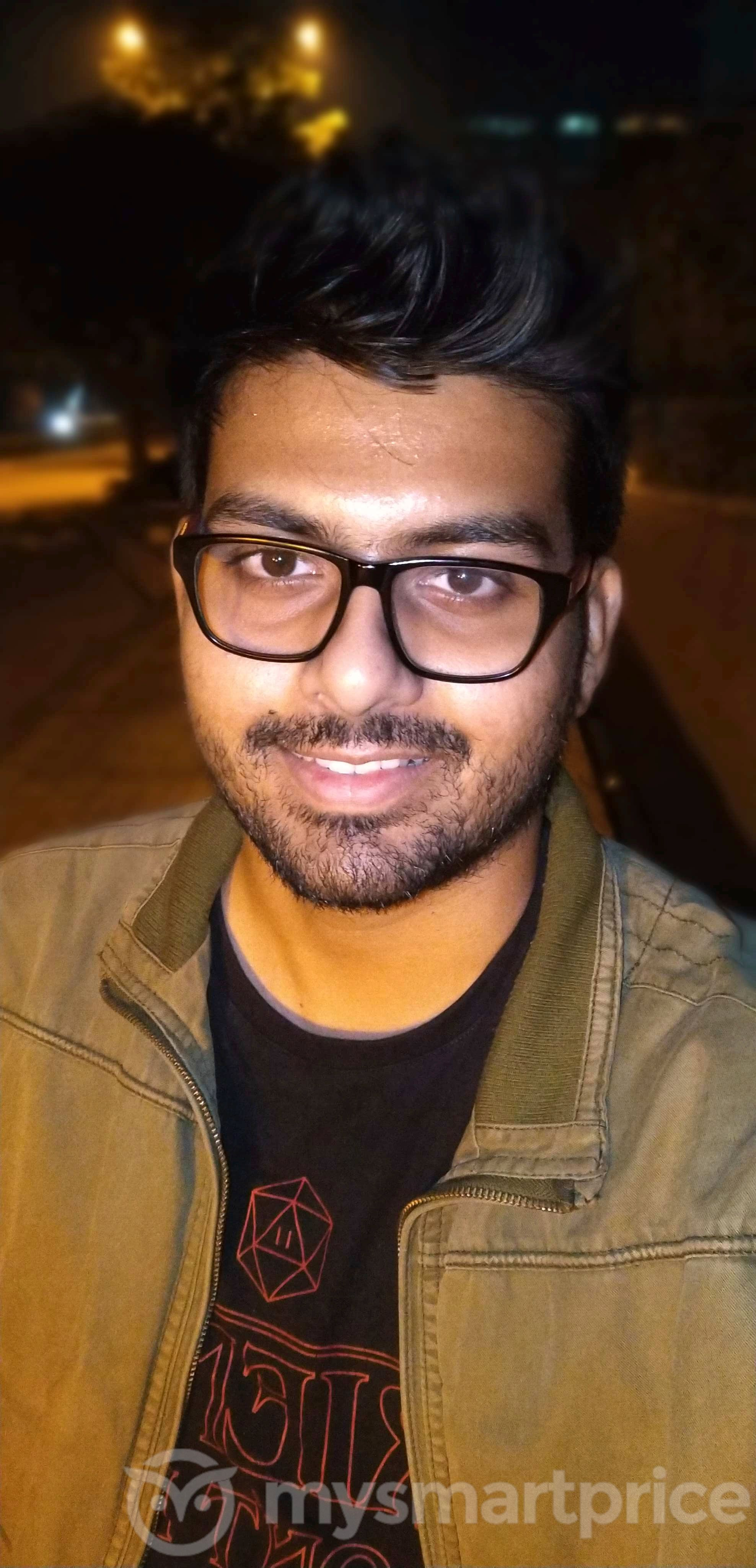 Motorola Moto One Power Review: Front-facing Camera Sample 08 (Bokeh Mode With Flash)