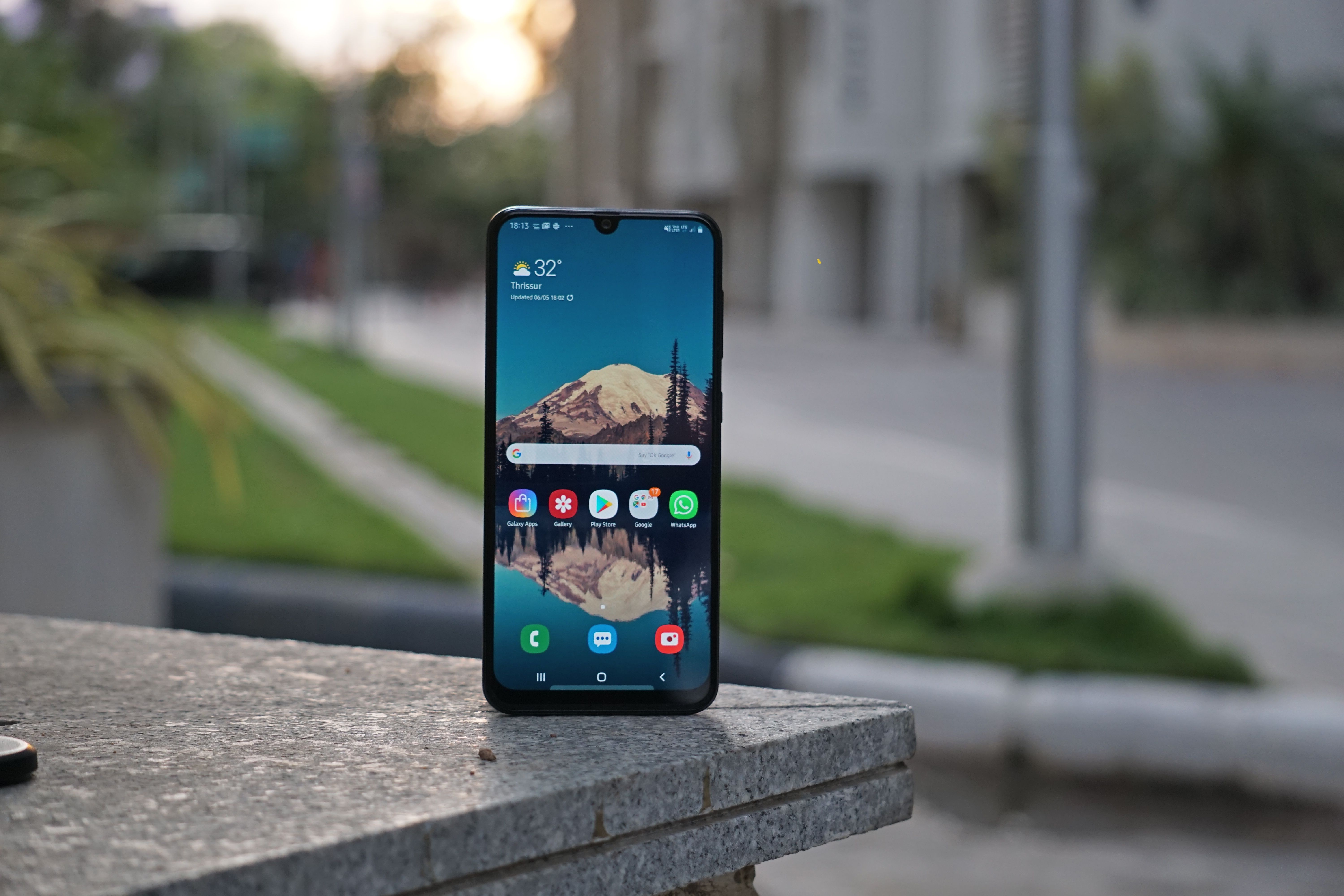 Samsung Galaxy A30 Design 4