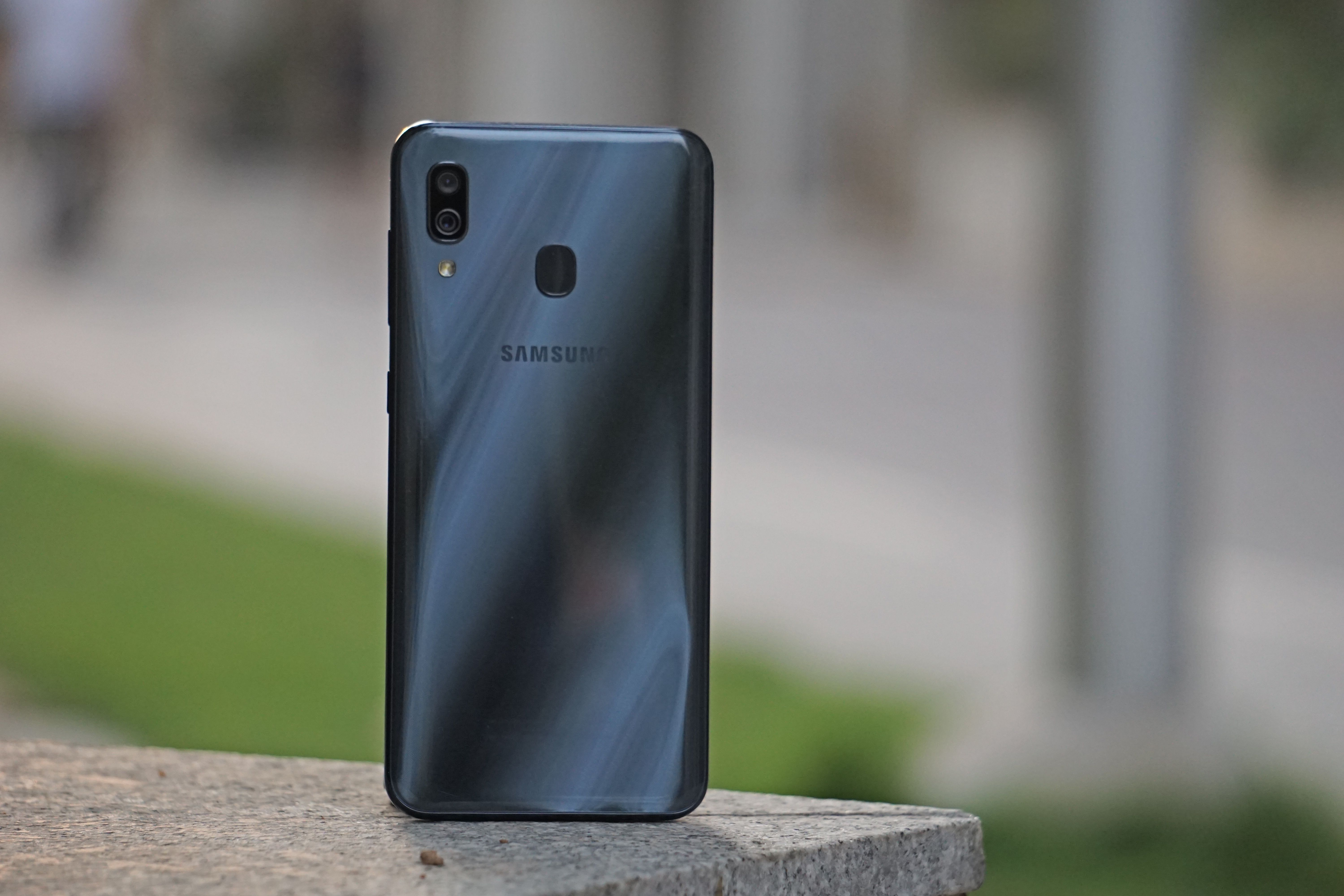 Samsung Galaxy A30 Design 5