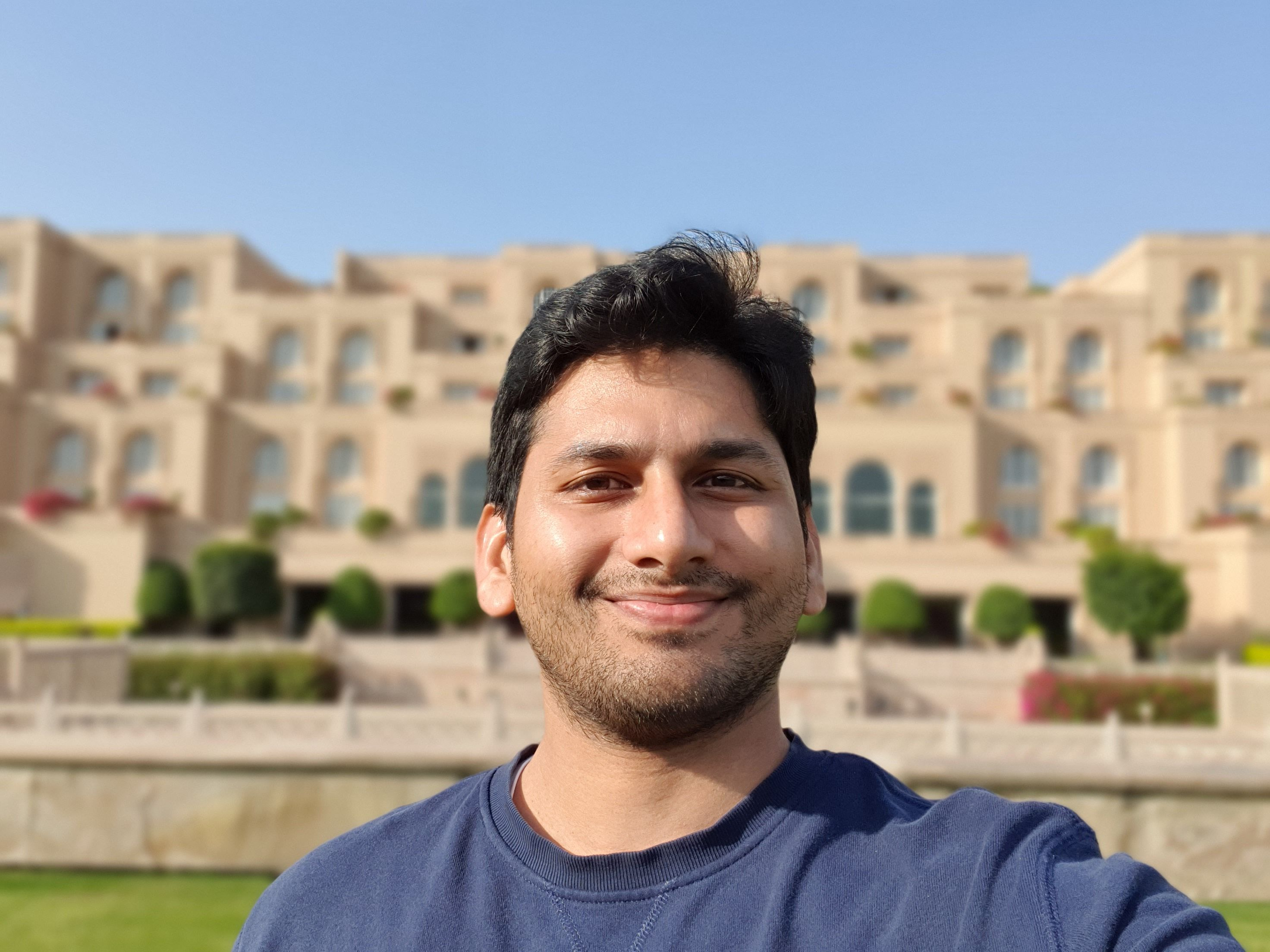 Samsung Galaxy S10+ Camera Sample Selfie Daylight Live Focus