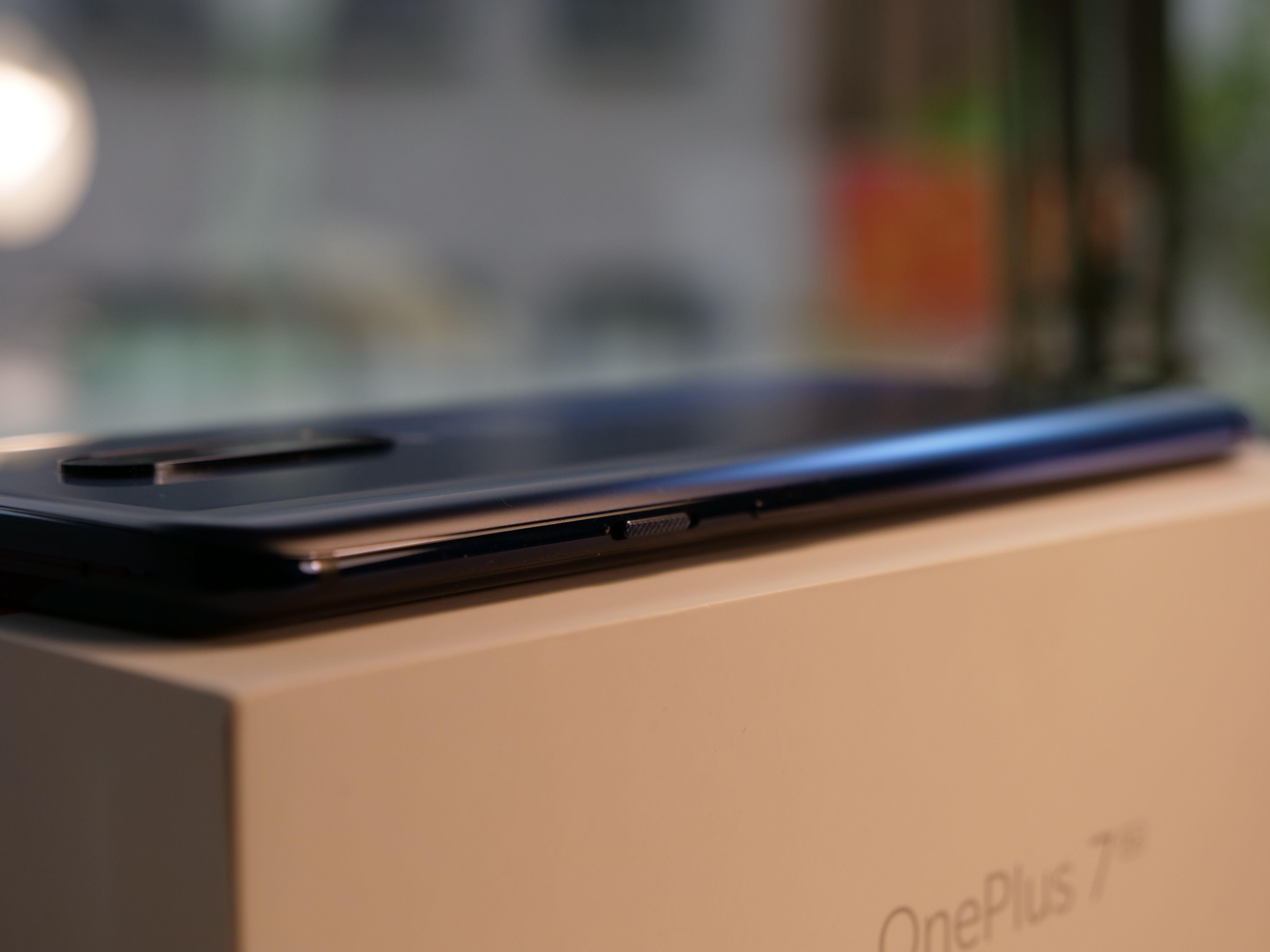 OnePlus 7 Pro Product shot 07