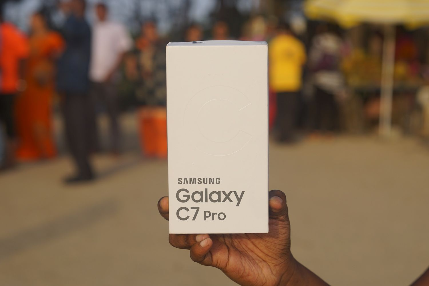 Samsung Galaxy C7 Pro Review: An excellent all-rounder that needs a price  cut - MySmartPrice
