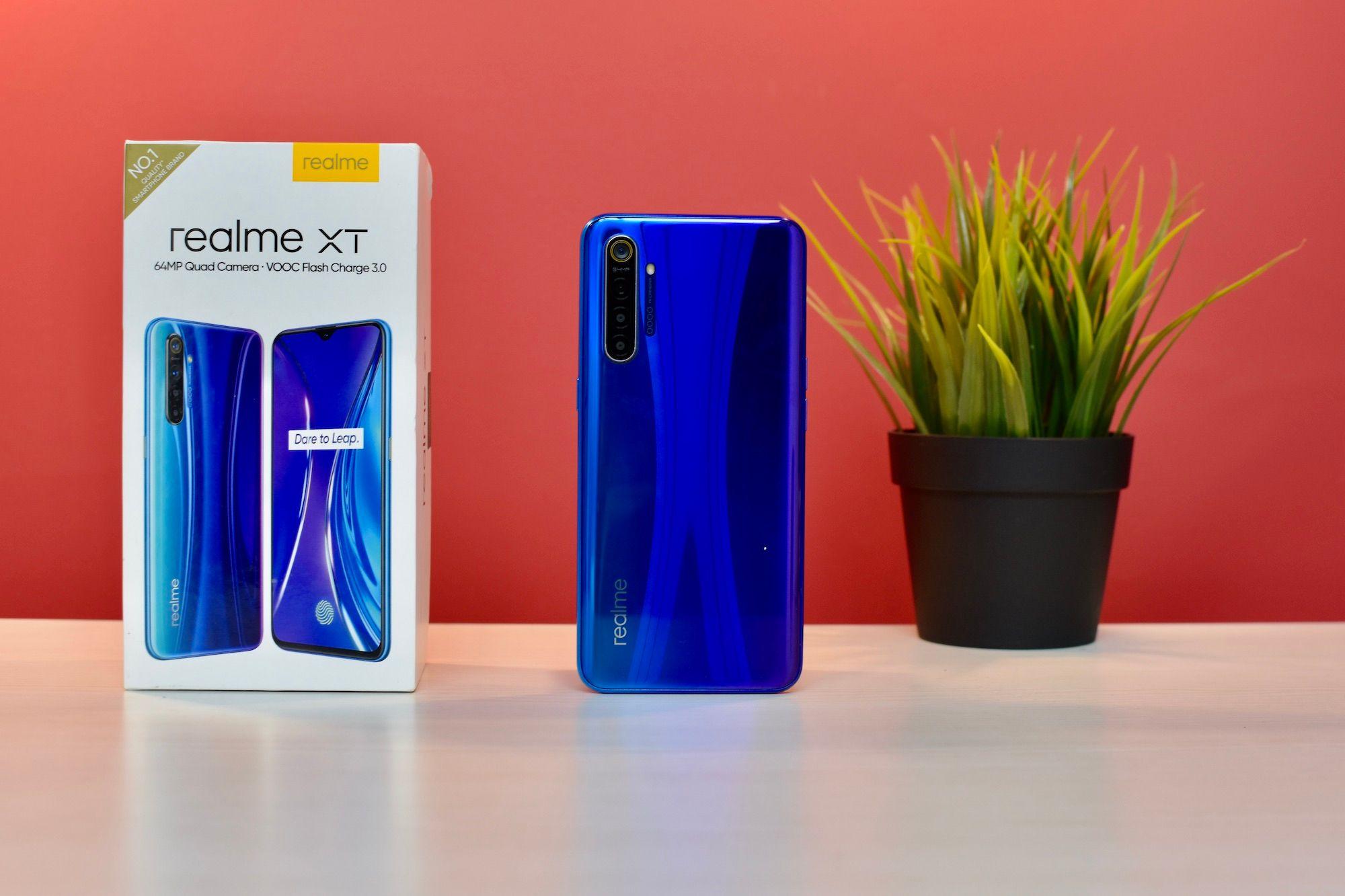 Realme XT Rear Design With Box