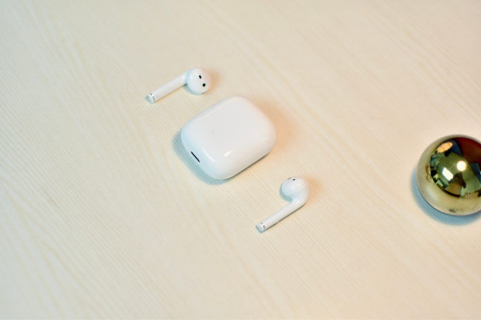 Realme Buds Air Case And Earbuds