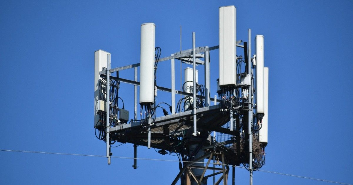 linking Covid-19 and 5G