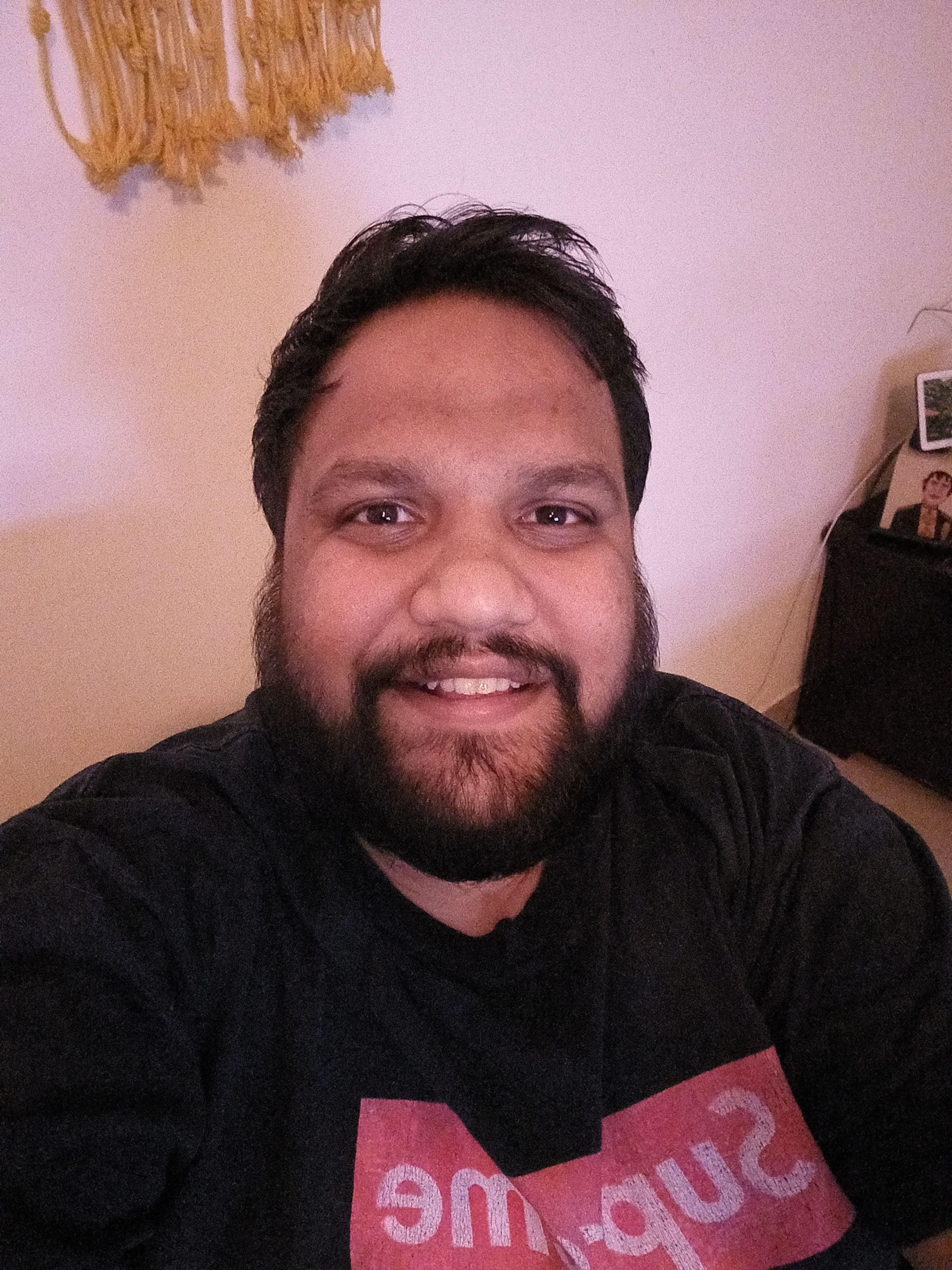 Samsung Galaxy m32 low light selfie