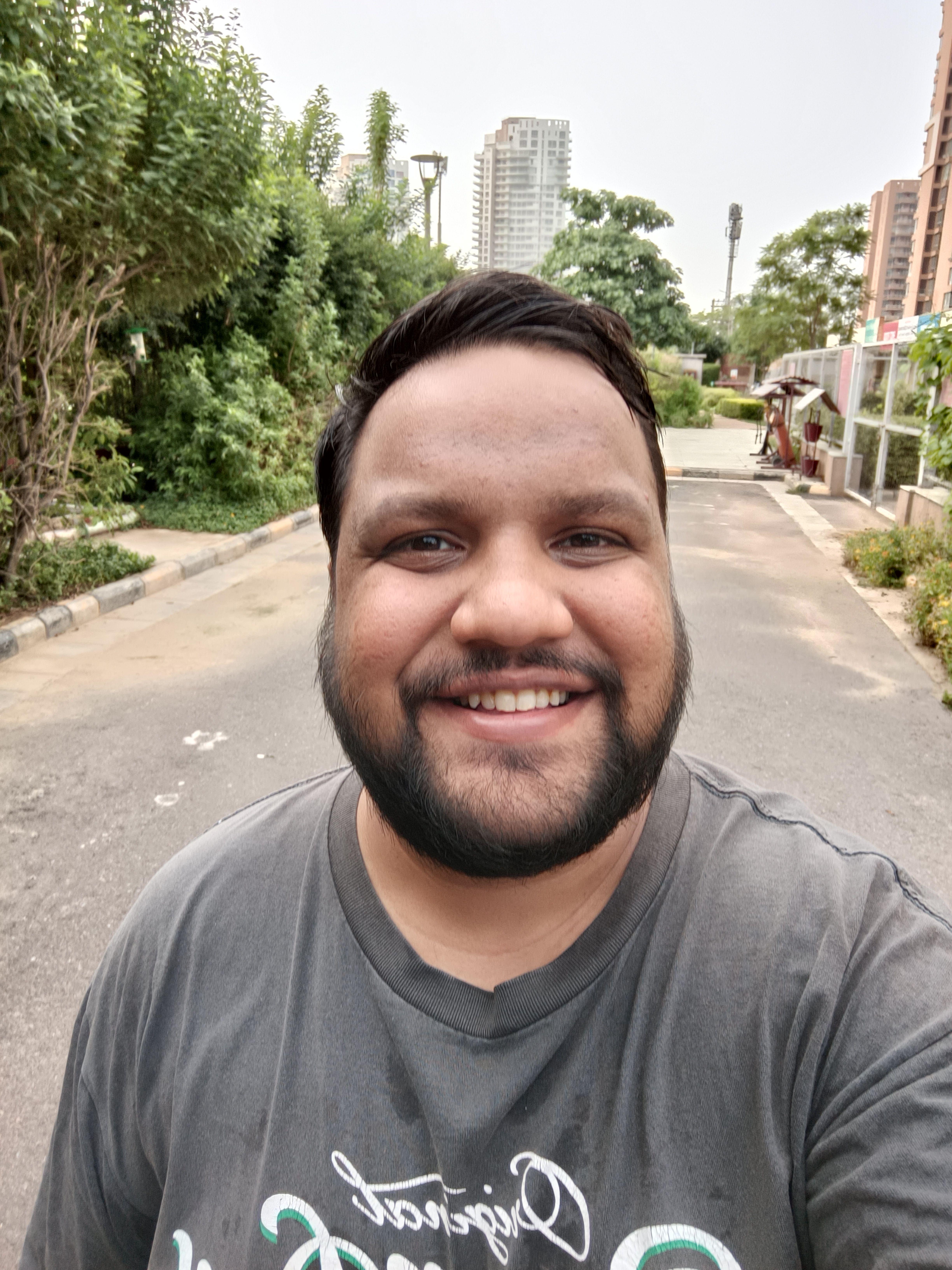 OnePlus Nord 2 Selfie