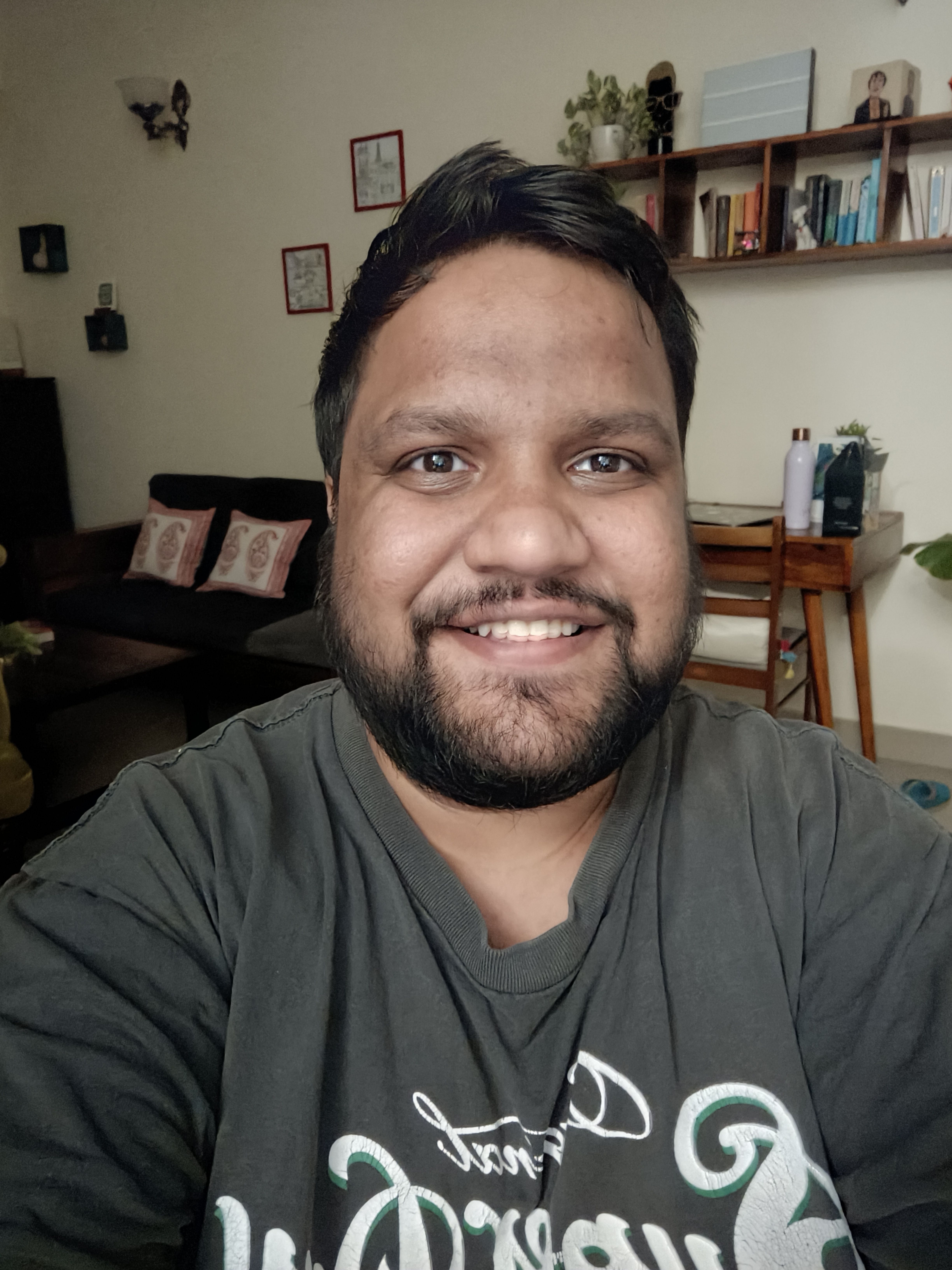 OnePlus Nord 2 low light selfie