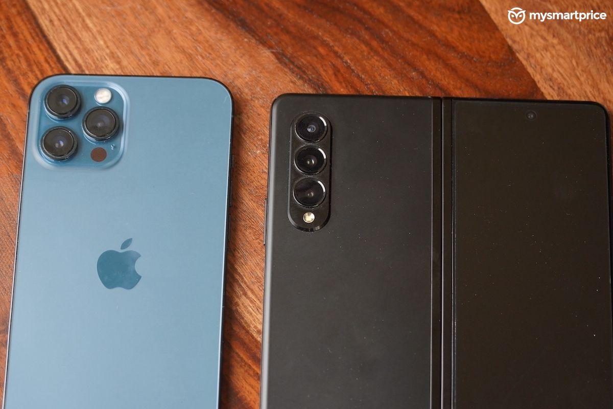 Galaxy Z Fold 3 vs iPhone 12 Pro max